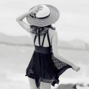 連體裙式鋼托小胸聚攏性感修身泳衣女遮肚顯瘦保守平角溫泉游泳衣