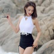 新款連體泳衣女沙灘比基尼蕾絲罩衫防曬溫泉泳衣批發