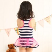 批發新款兒童連體泳衣女韓版可愛條紋三角拉丁紗裙式游泳衣